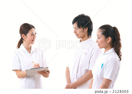 医療スタッフ(モデル:蔦本優子・長谷川友里・新熊哲) 2128303