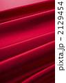 ドレープ 布地 サテンの写真 2129454