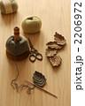 かぎ針で葉を編む 2206972