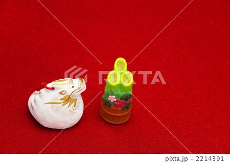 辰と門松の置物 横 2012年 2214391