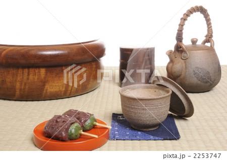 草団子と日本茶の写真素材 [2253747] - PIXTA