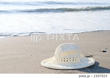 砂浜の帽子 2307924