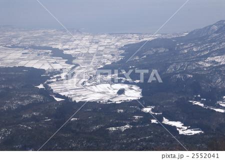 雪の安曇川町俯瞰 2552041