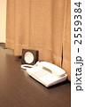ビジネスホテル-07■机・電話・時計 2559384