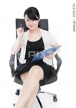 椅子 女性 2591574