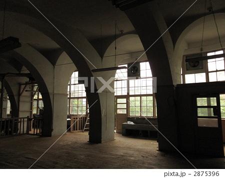 廃墟 公共施設 学校の写真素材 ...