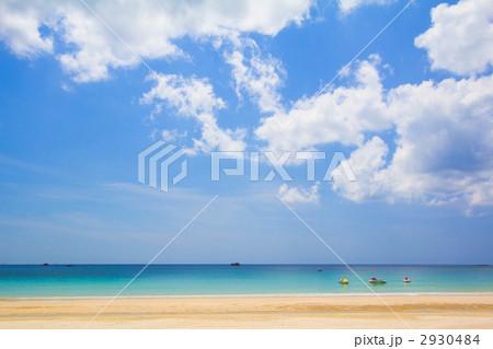 青い空とビーチ 2930484