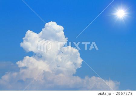 真夏の青空:入道雲と太陽 2967278