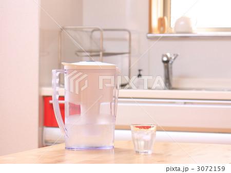 浄水ポットの写真素材 [3072159] - PIXTA
