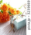 オレンジの花束とギフト 3239669