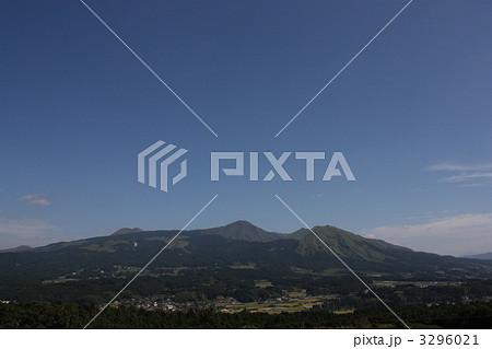 南阿蘇村から見た阿蘇五岳 3296021