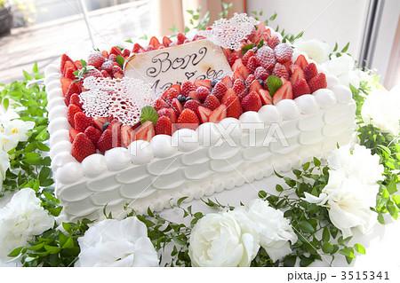 ウエディングケーキの写真素材 ...