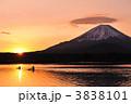 朝日 初日の出 御来光の写真 3838101