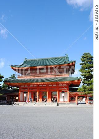 平安神宮の應天門(神門) 3839335