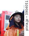 消防服の子供 3904051
