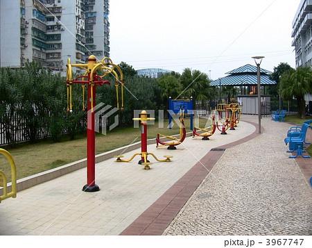 中国の公園のトレーニングマシン 3967747