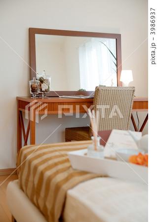 寝室の写真素材 [3986937] - PIXTA