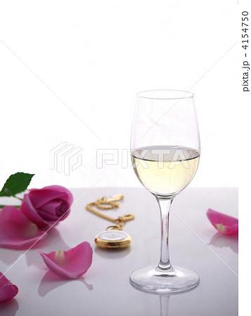 バラとワインの写真素材 [4154750] - PIXTA