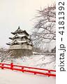 雪の弘前城(縦) 4181392