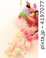 雛あられと和菓子の雛人形 4197077