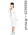 スーツ ビジネスウーマン 女性の写真 4206896