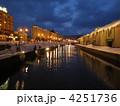 小樽運河の冬の夜景 4251736