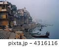 霧のバラナシ 4316116