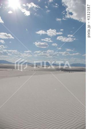 ホワイトサンズの白砂丘 4332387