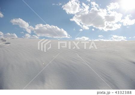 ホワイトサンズの白砂丘 4332388