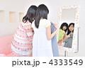 着替え 洋服 女性の写真 4333549