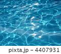 プールの水面 4407931