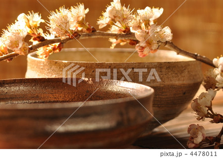 陶器と桜桃花の写真素材 [4478011] - PIXTA