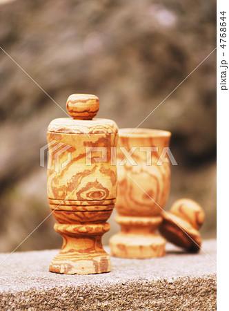 サラシアのコップ イメージ素材 薬用植物 サラシアの幹で作られた杯 4768644