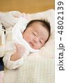 乳児 眠る 乳幼児の写真 4802139