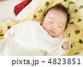 乳児 眠る 乳幼児の写真 4823851