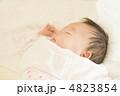 眠る赤ちゃん 4823854