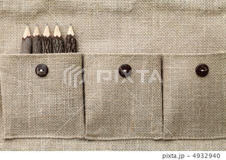 ポケットと木の鉛筆 4932940
