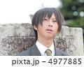 制服姿の男子高校生 4977885