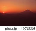 ご来光 朝日 富士山の写真 4978336