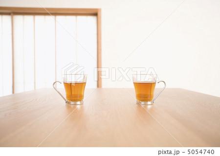 グラスに入ったお茶の写真素材 [5054740] - PIXTA