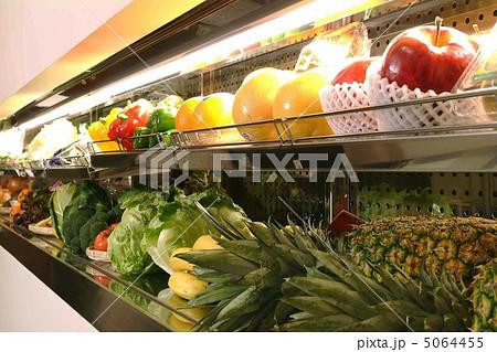 新鮮野菜 果物 陳列棚 りんご レタス オレンジ グレープフルーツ バナナ パイナップル パプリカ  5064455