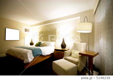 Double bed in the modern interior roomの写真素材 [5146230] - PIXTA