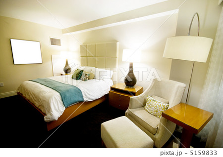 Double bed in the modern interior roomの写真素材 [5159833] - PIXTA