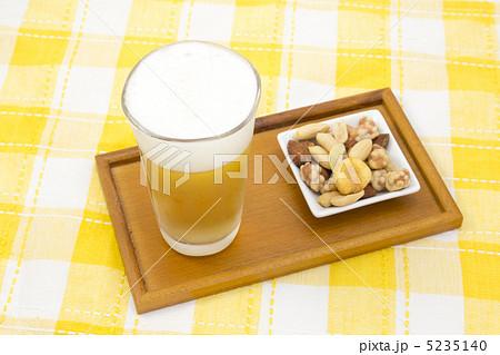 ビールとおつまみの写真素材 [5235140] - PIXTA