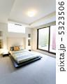 ベッドルーム インテリア 寝室の写真 5323506