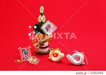夫婦巳年クラフト手作り人形と門松 5392493