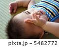 眠い赤ちゃん 5482772