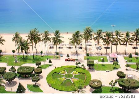 ベトナム・ニャチャンのホテルからのオーシャンビューの写真素材 [5523583] - PIXTA
