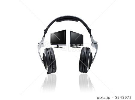 Headphones and LCD monitorsの写真素材 [5545972] - PIXTA