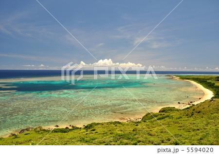 石垣島 海岸線 珊瑚礁の海 5594020